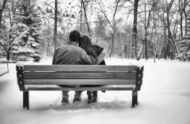 park-bench-in-the-snow